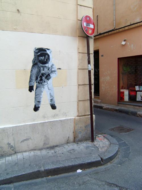 la cachette, astronaut, avignon